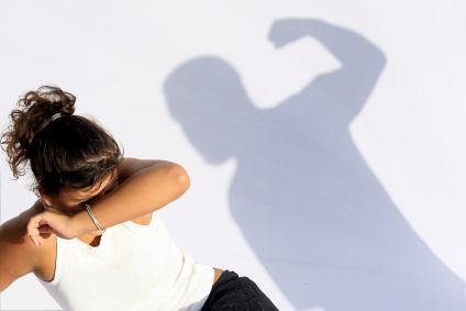 man-abusing-woman
