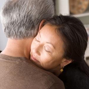 woman-comforting-man-2-article