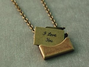secret love letter locket_citizenfox