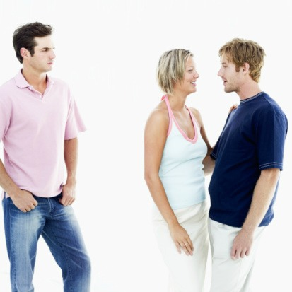guys body language when dating In summary, a man's emotions are often expressed through his body language— a language that is surprisingly consistent across men of all types and so to help.