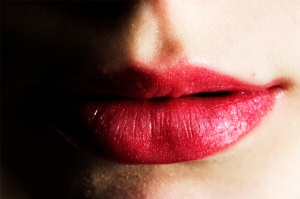 woman-with-plump-lips